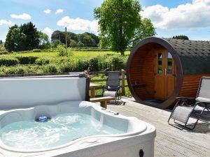 Rivendell 2019 pod and hot tub